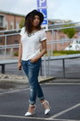 Blue-gina-tricot-jeans-black-old-hat-white-h-m-t-shirt