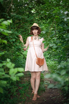 light pink pink sleeveless threadcase dress - mustard fedora straw hat - tawny b