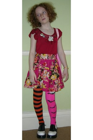 carrot orange stripey halloween socks - hot pink bats halloween socks