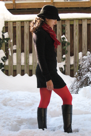 black Jcrew hat - black Bandolino boots - black Jcrew sweater