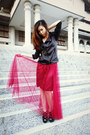 Black-leather-jacket-tulle-maroon-skirt-black-heels