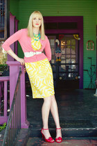 yellow tropical print vintage dress - red unknown heels - coral Express cardigan
