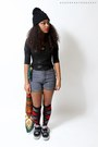 Black-skully-skully-hat-navy-high-waist-shorts-black-leather-shirt-top