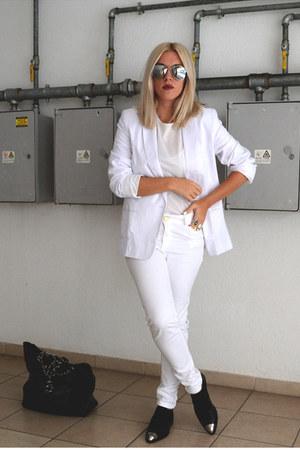 white asos blazer - silver mirror asos sunglasses - white ripped Zara pants