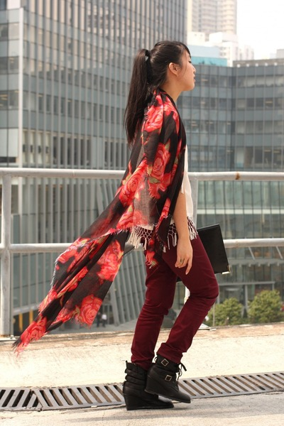 red Hong Kong scarf - brick red H&amp;M pants