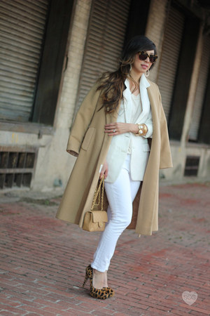 white joes jean jeans - eggshell thrifted vintage blazer - camel Chanel bag