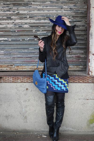 blue similar Sensi Studio hat - black similar coach boots