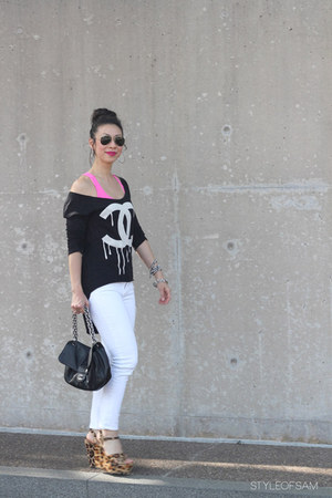 t-shirt - Joes Jeans jeans - Ray Ban sunglasses - similar Steve Madden wedges