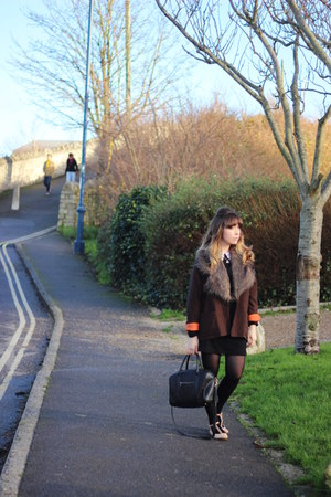 light brown faux fur asos scarf - black collar Ebay dress