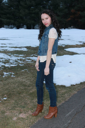 blue denim Levis vest - crimson faux leather H&M boots