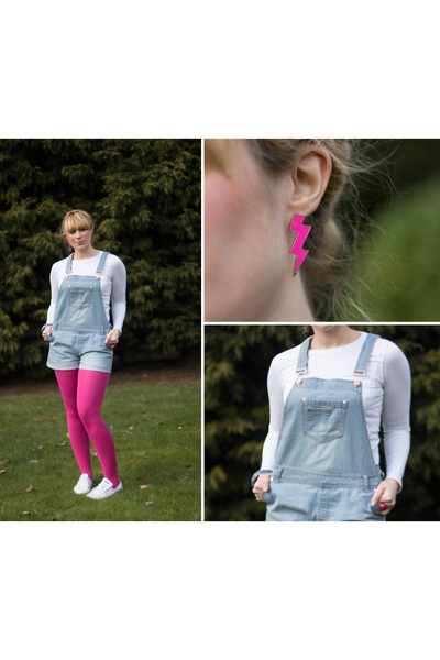 hot pink bolt Lovefrommissbehave earrings - light blue Primark bodysuit