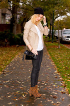 tan Urban Outfitters jacket - black Zara jeans