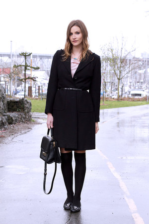 black banana republic coat - black kate spade bag - black Michael Kors flats