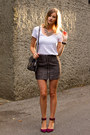 Charcoal-gray-aritzia-skirt-white-witchery-top-magenta-zara-heels