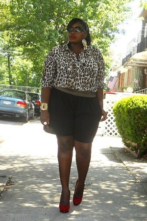 black gold waistband Kmart shorts - black Kenneth Cole Plus blouse - brown leopa