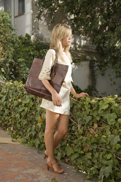 brown SU-SHIcom bag - brown sandals SU-SHIcom shoes - beige SU-SHIcom dress