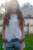 cream American Eagle shirt - sky blue American Eagle shorts