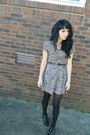 Black-tights-light-pink-floral-vintage-dress-black-heart-cut-out-belt