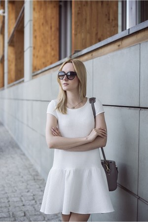 white Mohito dress - heather gray Zara bag - black Prada sunglasses