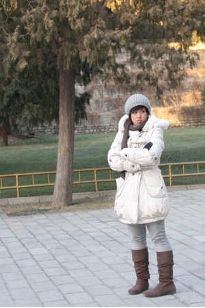 Zara hat - Gap scarf - Beijing market coat - Terranova gloves - Topshop pants -