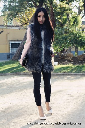 faux fur Mango vest - pull&amp;bear jeans - pink blazer Zara blazer - Zara bag