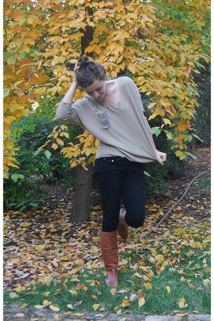 Forever 21 sweater - vintage accessories - Forever 21 jeans - Steve Madden boots