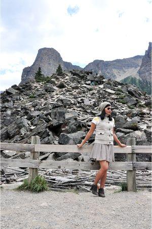 American Eagle top - gray skirt - beige Old Navy vest - gray Primadonna boots -