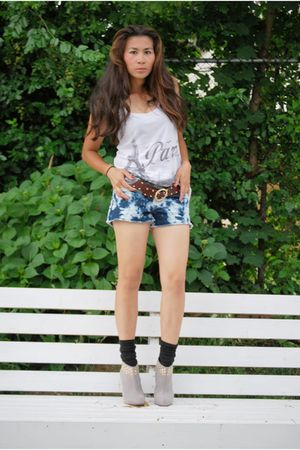 blue Levis tie dyed shorts - white Forever 21 top - silver Michael Kors belt - s