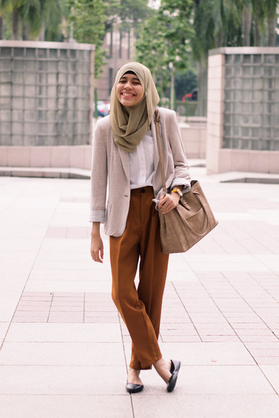 beige Zara blazer - white Topshop shirt - tan bag - tawny pants