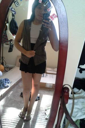 leather vest - tan Anna Molinari blouse - black herve leger skirt