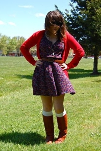 Old Navy sweater - vintage from Ebay dress - vintage from Ebay boots - Forever21