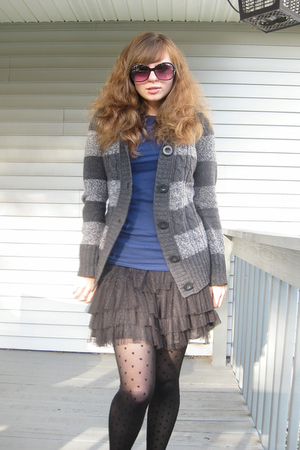 kohls sweater - kohls t-shirt - H&M skirt - American Eagle tights