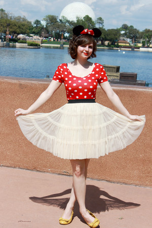red Disney ring - mustard Payless wedges - ivory tulle Forever 21 skirt
