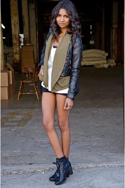 black leather Nine West boots - black leather H&M jacket