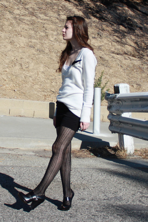 H&M sweater - American Apparel skirt - Zinc shoes