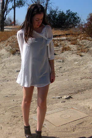 f21 blouse - American Apparel dress - saks tights - gojanecom shoes
