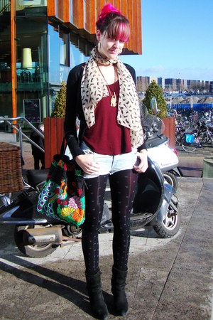 black Diesel shoes - peach cat yuyus scarf - carrot orange beaded vintage bag