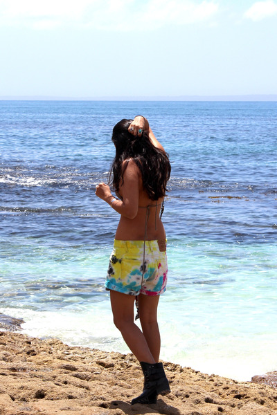 Levis shorts - Tigerlily swimwear