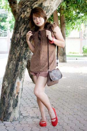 red dortmuendshoes shoes - dark brown bag - light brown shorts - brown blouse -