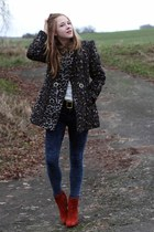 Primark coat - Deichmann boots - Primark jeans - Secondhand belt
