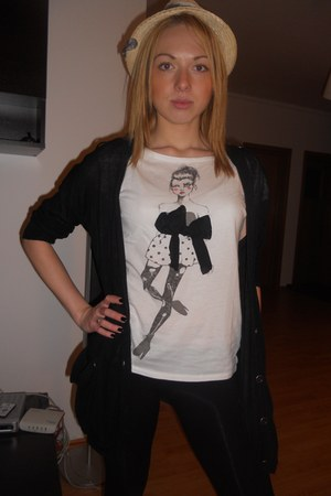 black Zara blazer - white Zara t-shirt - black Bershka tights - cream Accessoriz