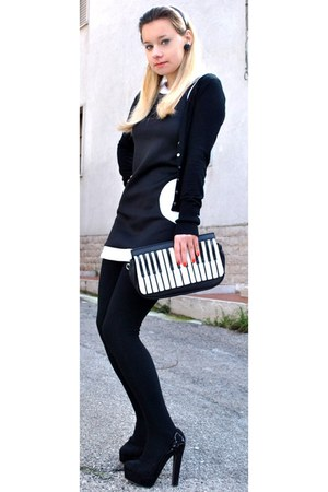 black and white asos bag
