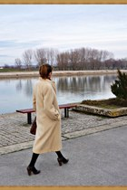 tan wool vintage coat - brown leather Levis bag - brown leather heels