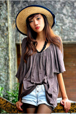 brown httpthechicparademultiplycom blouse - blue Levis shorts
