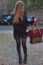 crimson Lodinatt bag - black Zara sweater - navy Forever 21 skirt