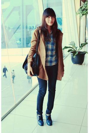 plaid vintage shirt - light brown wool vintage coat - jeans Guess bag
