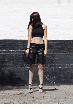 faux leather Forever 21 bag - leather bermuda Forever 21 shorts
