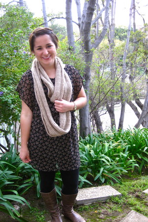black Lush dress - light brown Cathy Jean boots