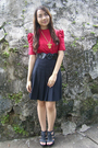 Red-kisses-co-blouse-black-thrifted-skirt-black-parisian-shoes-black-ran