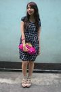 Blanc-et-noir-dress-beige-michael-antonio-shoes-pink-aranaz-purse